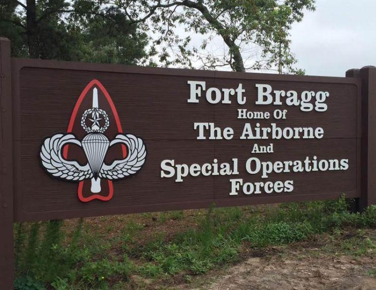 Fort_Bragg_Sign